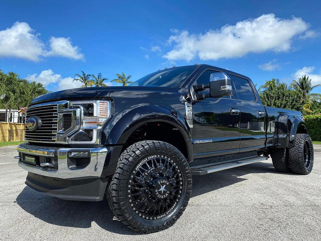 Truck Wheels and Tires